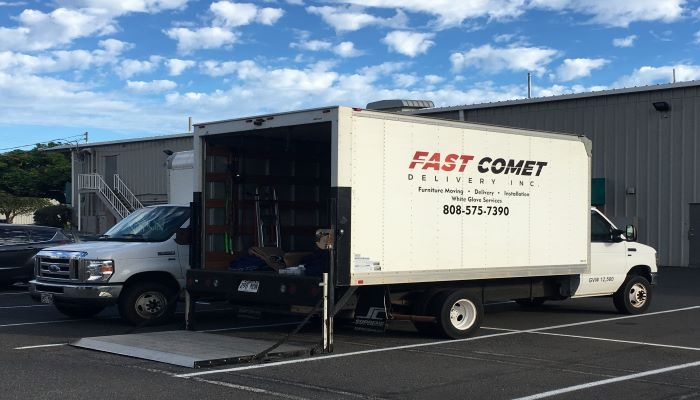 Fast Comet Delivery Truck