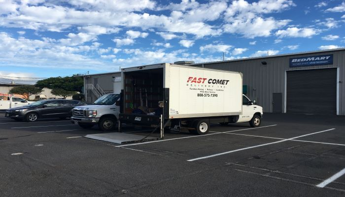 Fast Comet Delivery Truck 15 - Maui Hawaii