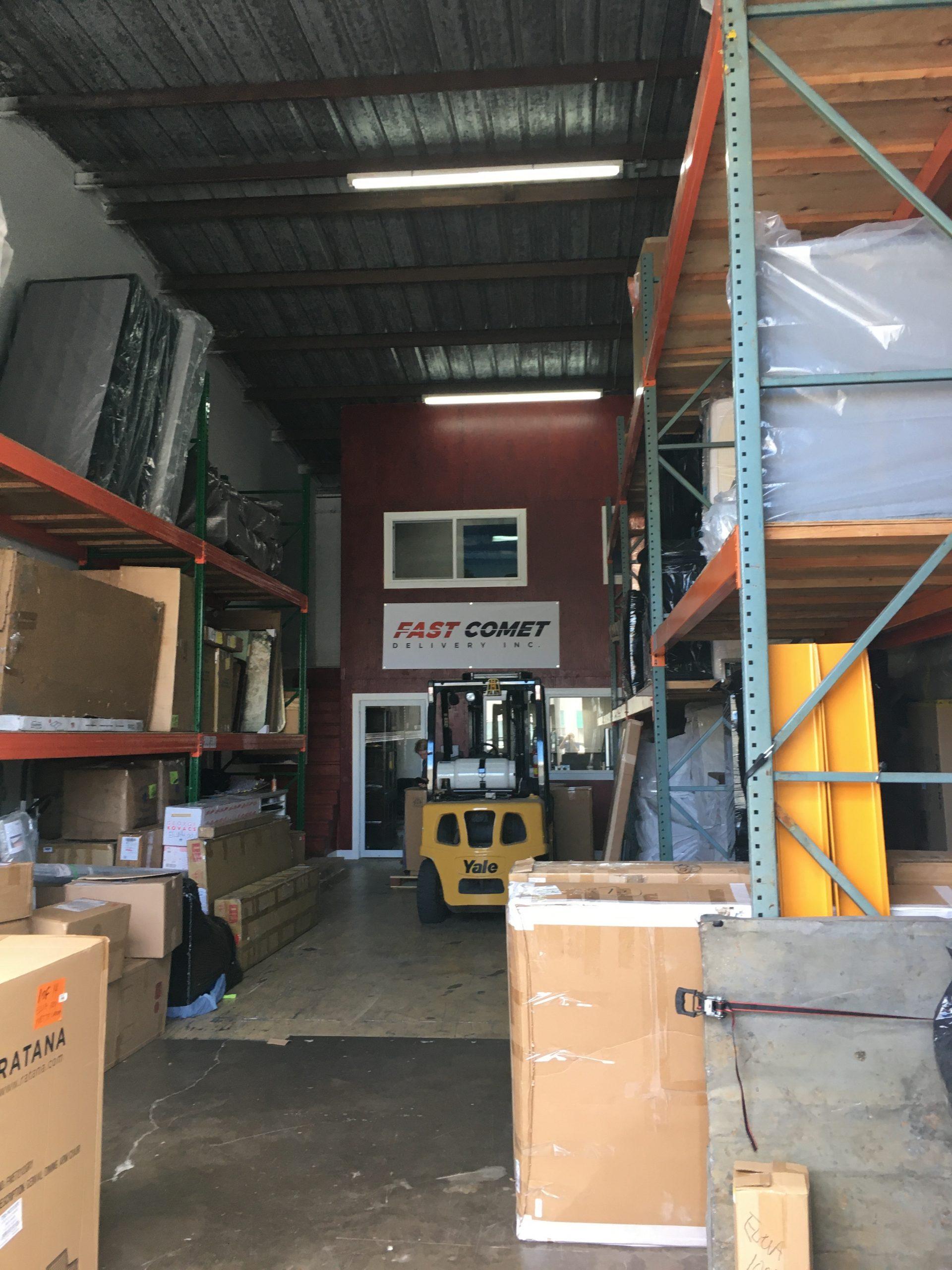 Fast Comet Warehouse 1 - Maui Hawaii - Movers