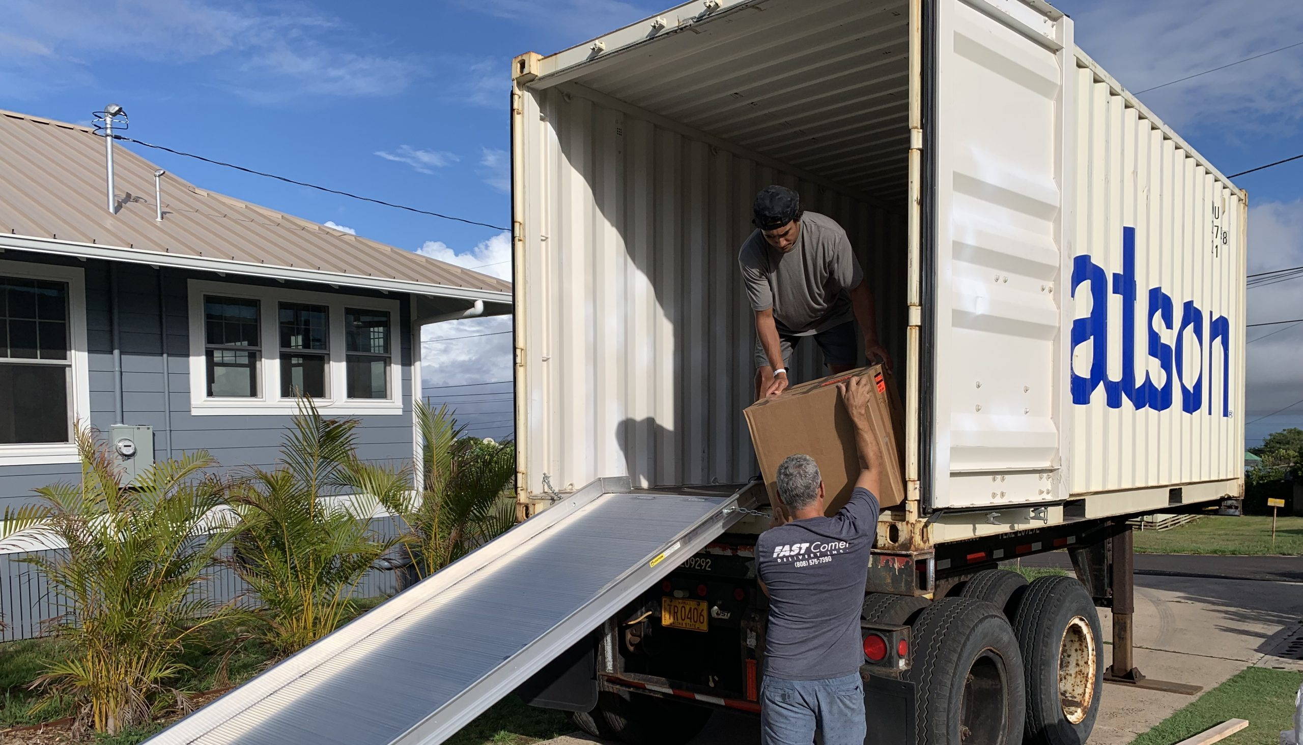 Fast Comet Delivery 14 - White Glove Services - Maui Hawaii - Moving Services