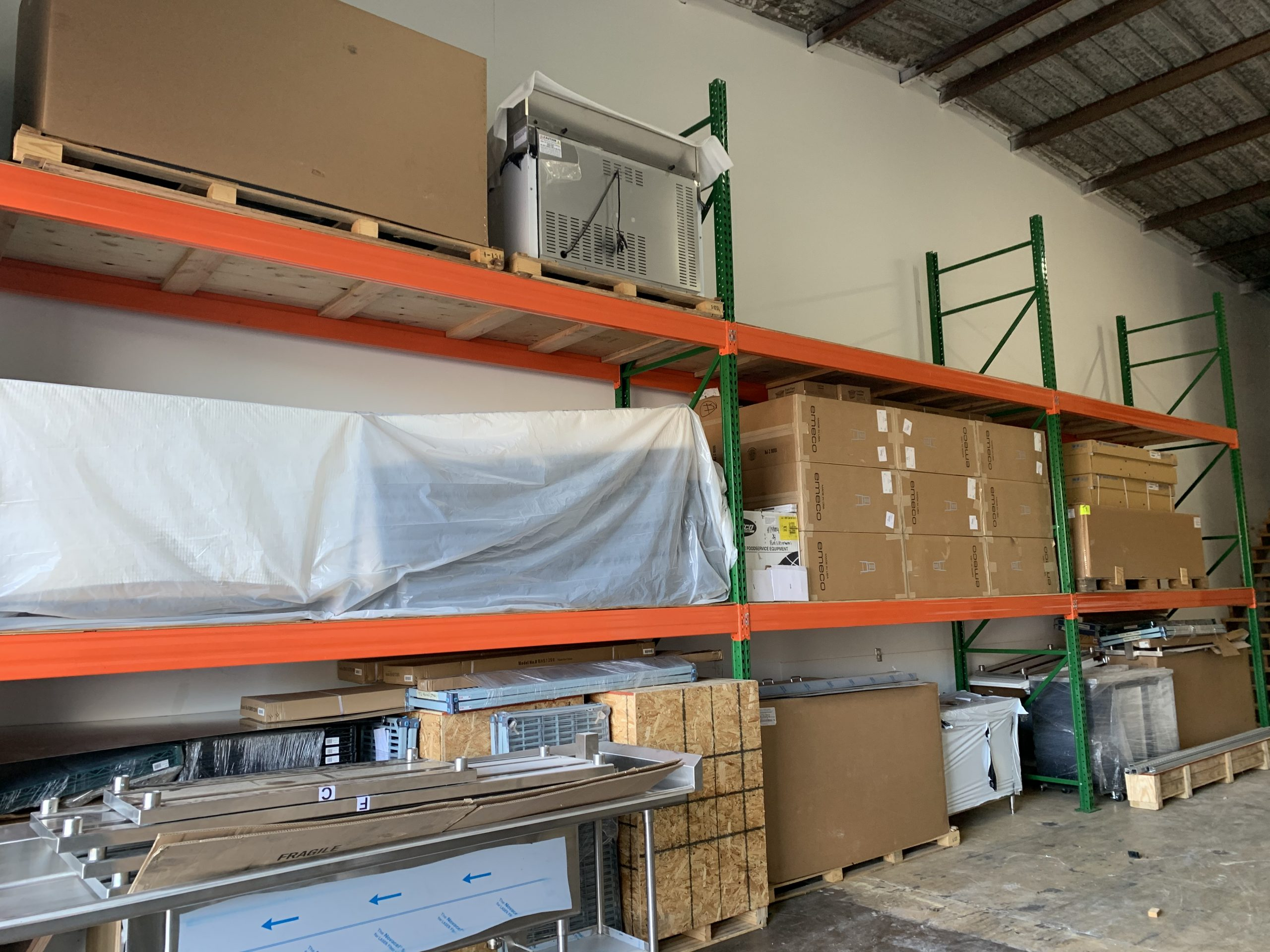 Fast Comet Warehouse 6 - Maui Hawaii - Movers