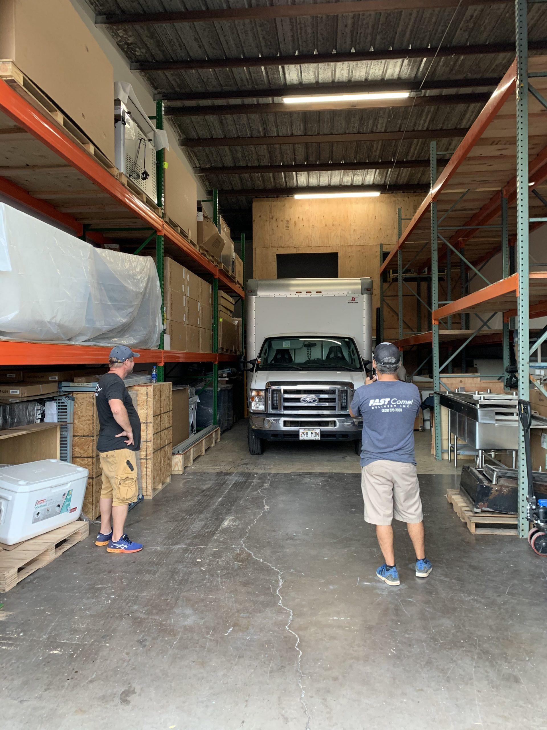 Fast Comet Warehouse 4 - Maui Hawaii - Movers