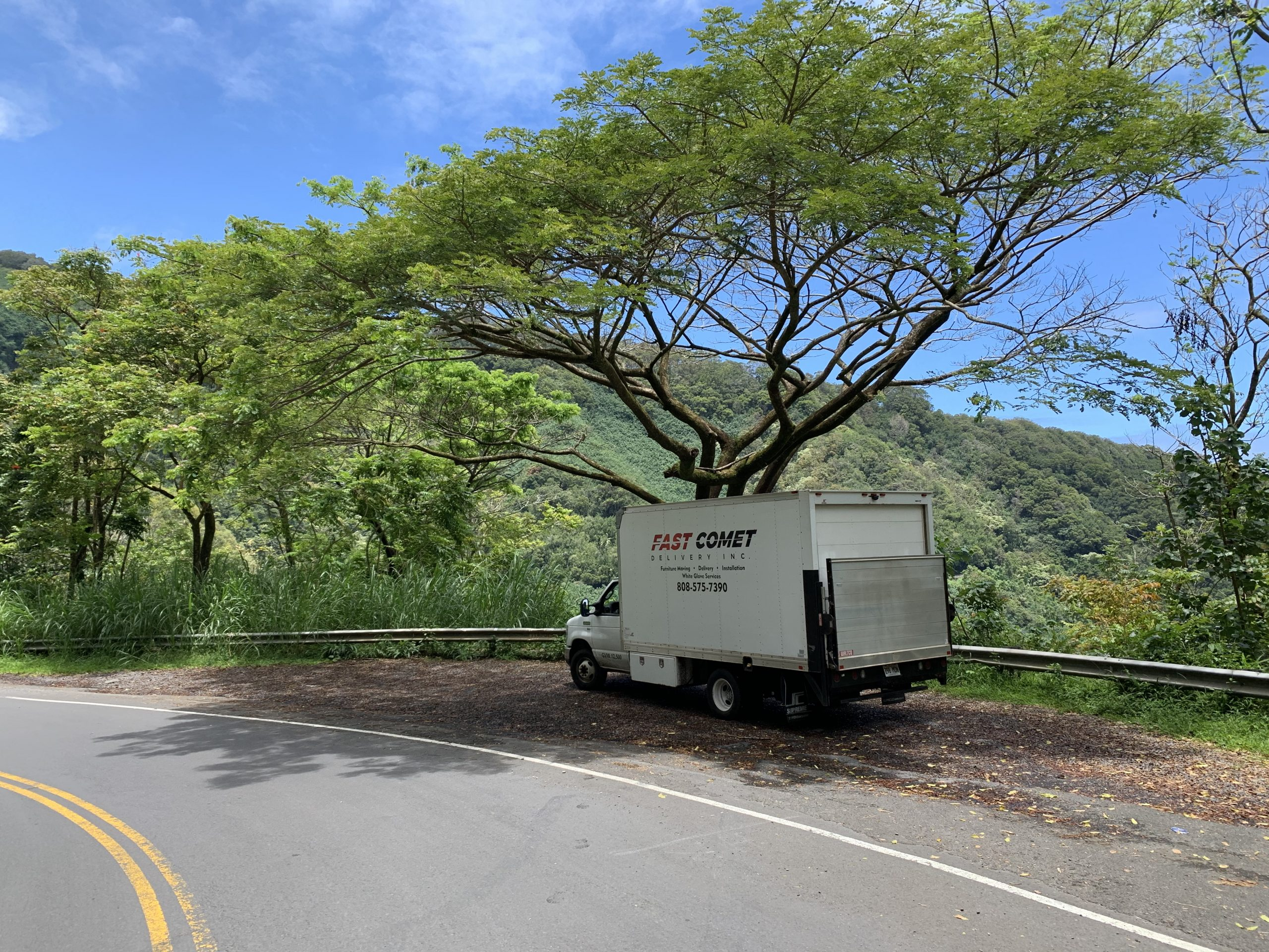 Fast Comet Delivery Truck 8 - Maui Hawaii