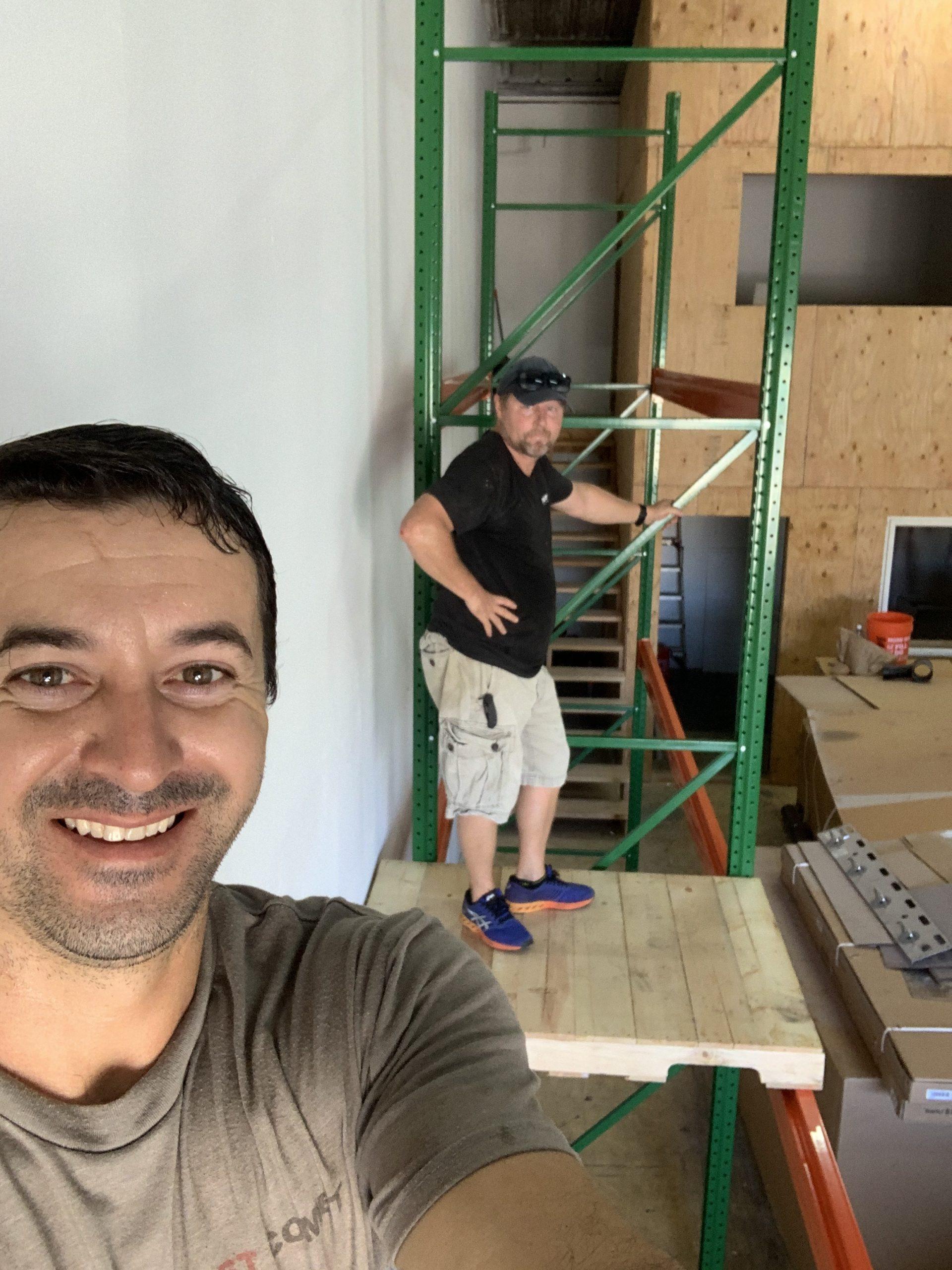 Fast Comet Warehouse 10 - Maui Hawaii - Movers